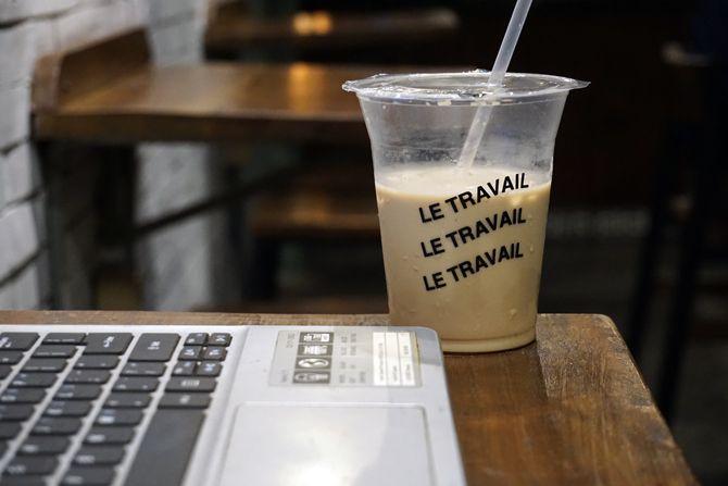 Menulis artikel di  Le Travail Coffee Jogja
