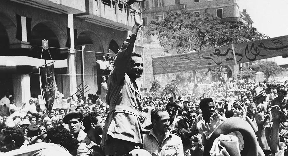 مصري أغضب بريطانيا فقصفت الإذاعة لتوقف بث أشعاره... فيديو