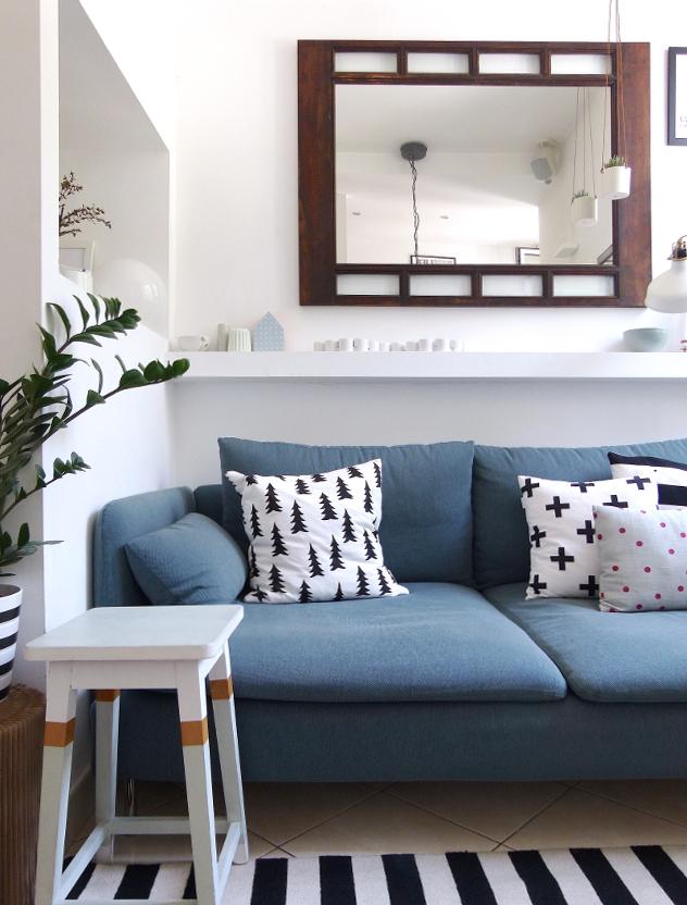 Appunti di casa restyling minicasa 2 0 un nuovo divano for Divano azzurro