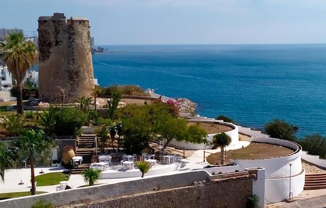 El empresario que hizo obras ilegales en el entorno de la torre vigía de Torremuelle tendrá que devolver la zona a su estado original por decisión judicial