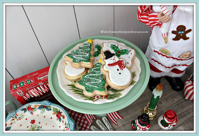 Breakfast- Nook -Christmas -Decor-Faux-Gingerbread-Cookies-From My Front Porch To Yours