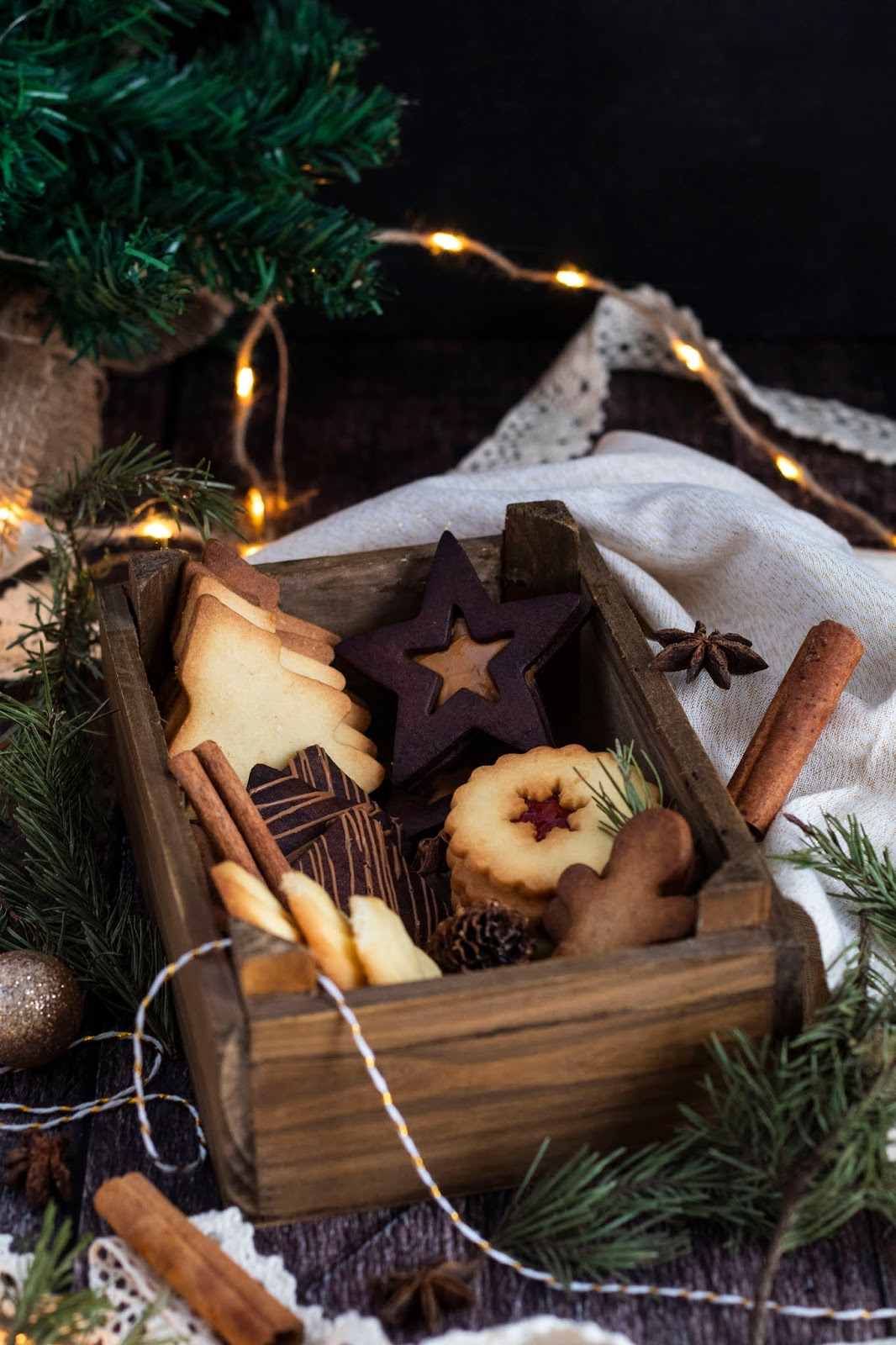 Jolie boite de biscuits fait maison à offrir pour Noël