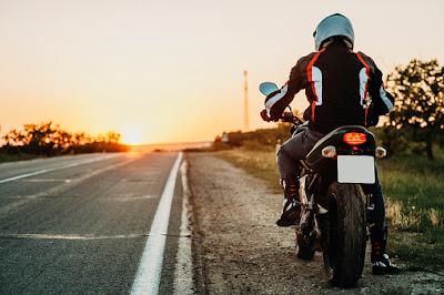 perlengkapan berkendara motor yang benar