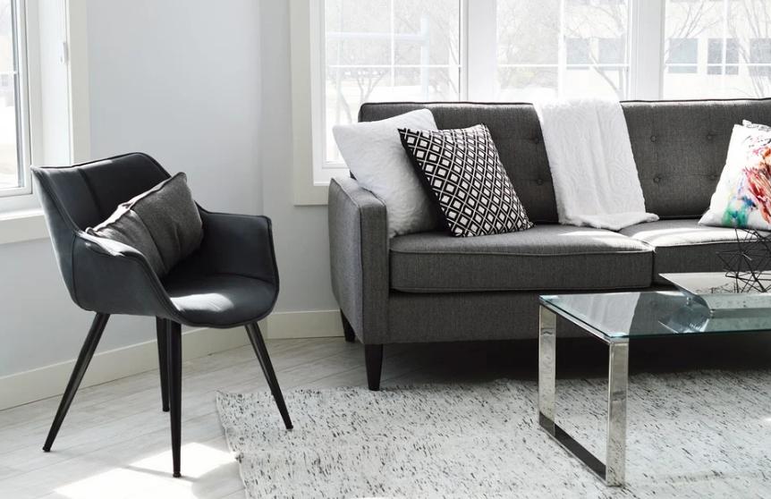 Match je nieuwe bank met het interieur, op deze manier kun je dat doen. kleur, materiaal en grote.