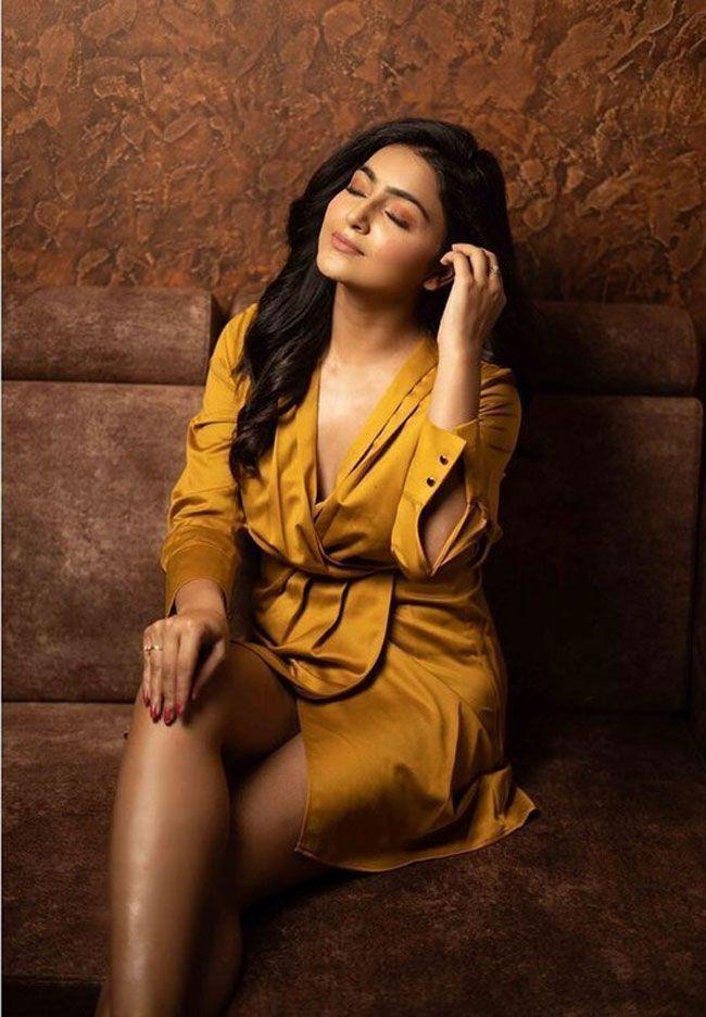 Actress Gallery: Avantika Mishra Gallery Pictures