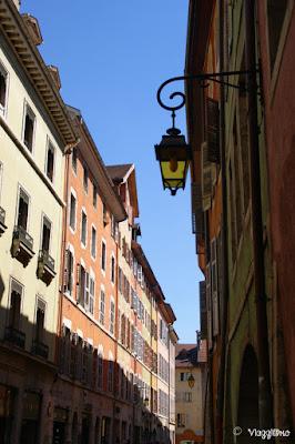 Le belle e colorate case del centro di Annecy