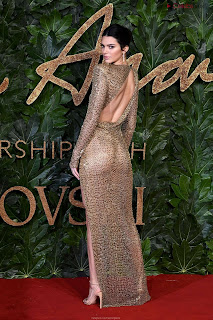 Kendall Jenner Slim  Goes  At British Fashin Show 2018 WOW     small  slim figure CEleBrity.co Exclusive 015