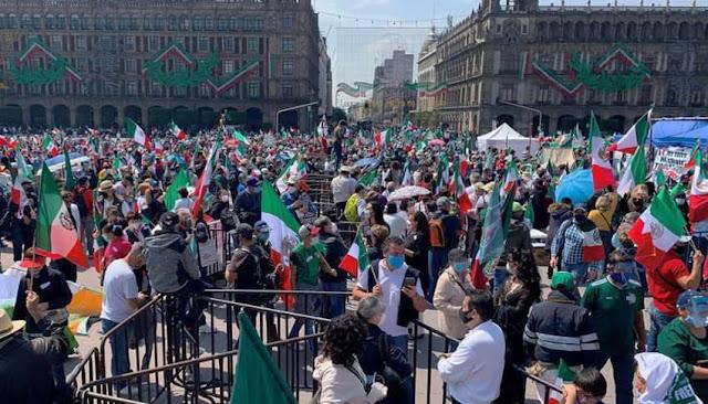 Miles de personas protestan contra el presidente López Obrador
