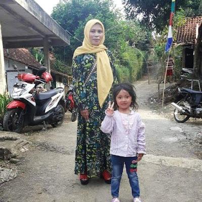 Ninda dan ibunya