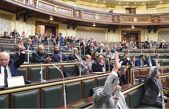 البرلمان يوافق مبدئيا على قانون مجلس الشيوخ