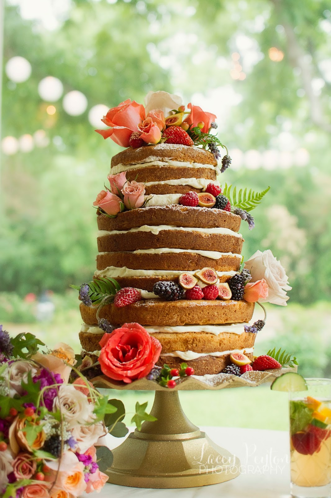 A Different Bloom _ Secret Garden Wedding Cake _ Wedding Florals _ Houston Weddings _ Woodlands Weddings
