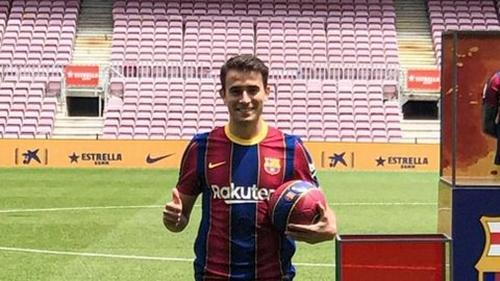 Diperkenalkan di Camp Nou, Begini Penampakan Eric Garcia dengan Seragam Barcelona