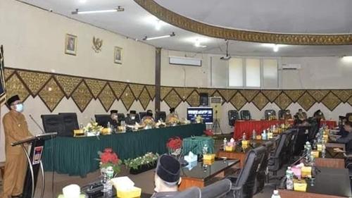Rapat Paripurna DPRD Padang, Daerah Pertama di Sumbar Plt Wako Sampaikan LKPJ Tahun 2020