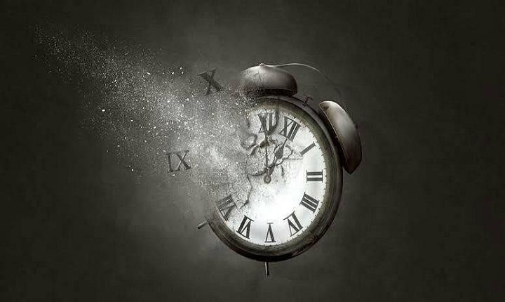 Puisi luka dan duka cinta adalah bagian dari waktu