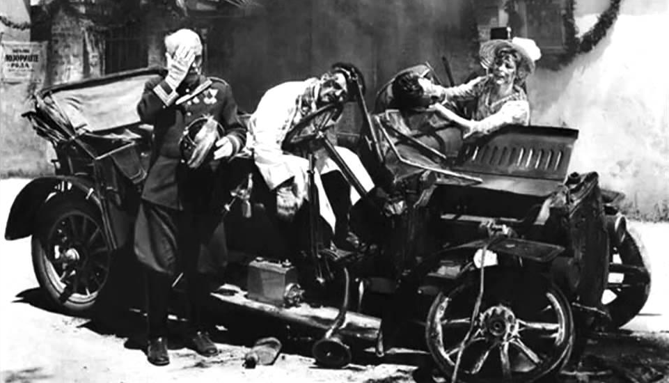 Franz Ferdinand and wife assasinated