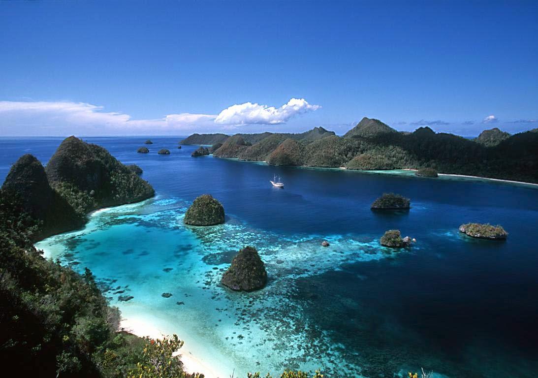 Tips berwisata murah ke Raja Ampat, Papua.