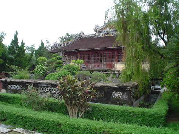 Jardines del Templo Hung Mieu