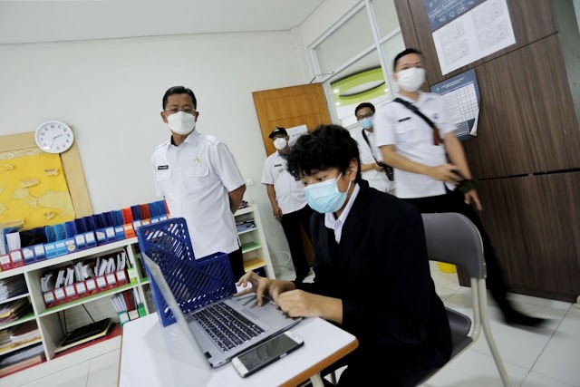Penerapan Prokes, Ema Pantau Kesiapan Sekolah Jelang PTM Terbatas di Kota Bandung