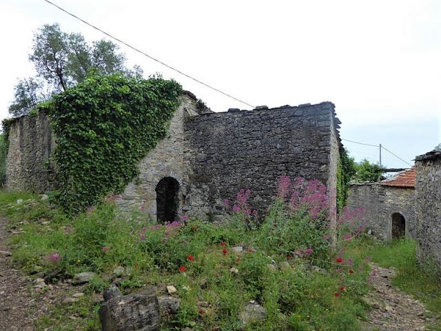 antiche abitazioni di Portesone sopra Tellaro