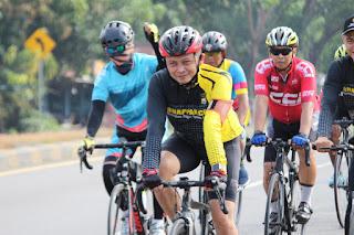 Jaga Stamina tetap Prima, Kapolres Pangkep Gowes bersama PJU