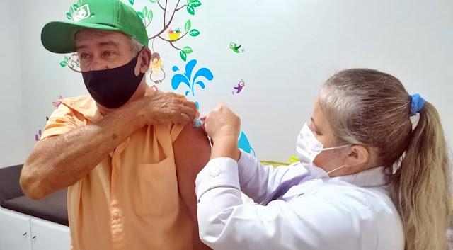 Roncador: Hoje acontece a vacinação dos idosos de 70 anos