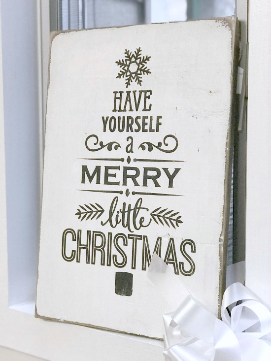 Rustic Merry Christmas sign on reclaimed wood.