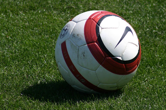 basics of soccer I have divided soccer positions into two main categories, basic and advanced beginning soccer parents should know the basics i have thrown the advanced soccer position terms in just for fun and to further your knowledge if you have the desire.