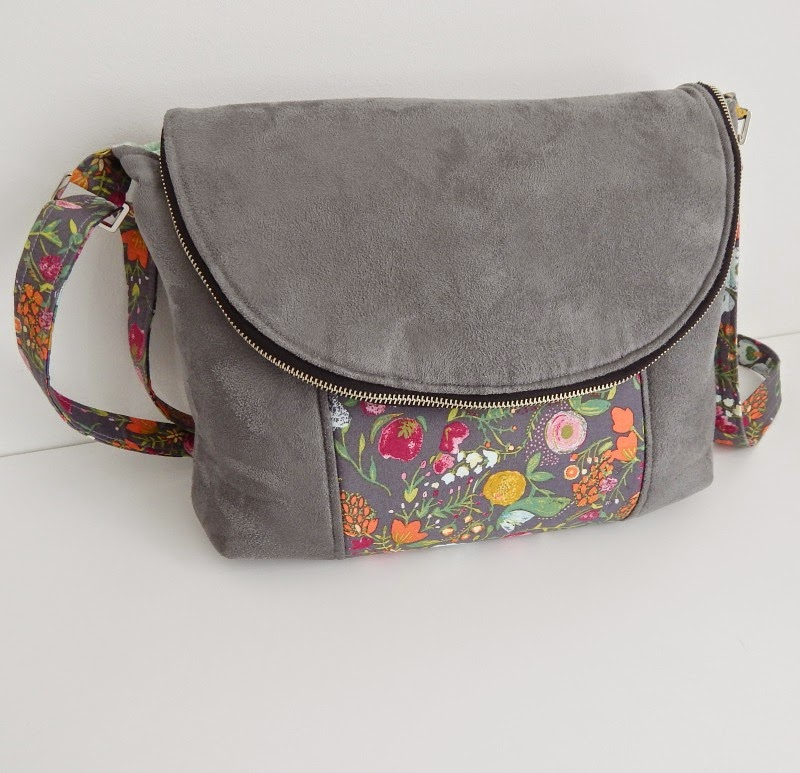 Mrs H - the blog: Introducing SUEDETRIM™ {Making Bag making