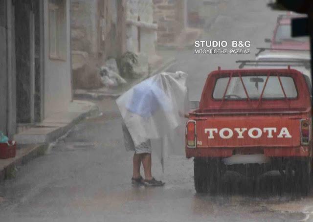 Συντομη καταιγίδα στο Ναύπλιο