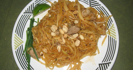 Pad Thai with Shredded Green Papaya