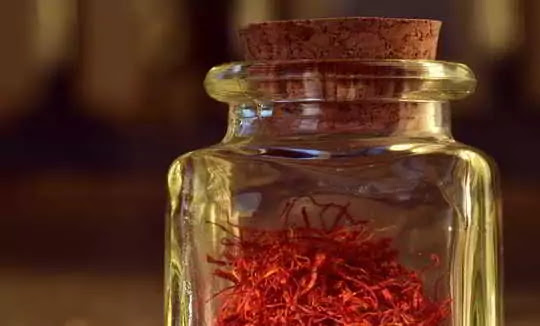 Know full information about when and why you should eat saffron in pregnancy