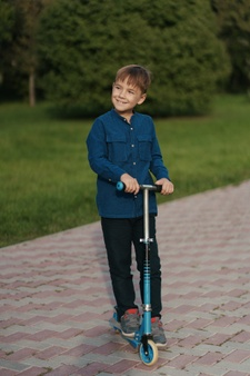 Kick Scooter, best gift item, easy living products, gift for kids