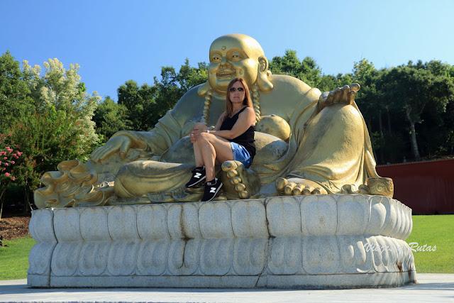 Buddha eden, buda dorado