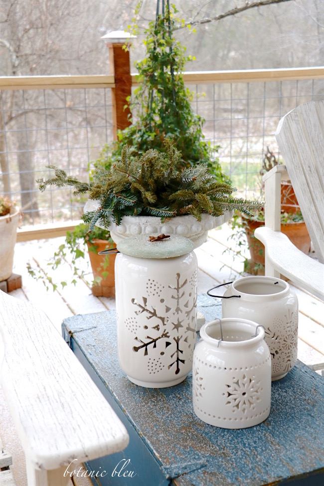 white-ceramic-snowflake-candel-holders