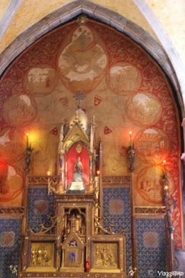 La Vergine Nera nella Cappella di Notre Dame di Rocamadour