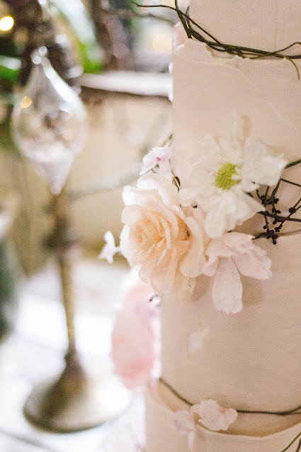 poppy and sage photography weddings bridal gowns australian designer florals cake venue