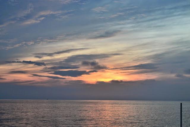 Sunset di perjalanan Padang Bai - Lembar