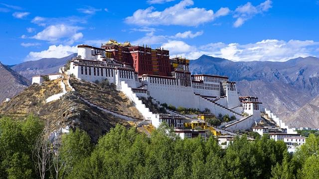 พระราชวังโปตาลา (Potala Palace: 布达拉宫: ཕོ་བྲང་པོ་ཏ་ལ་) @ www.cgtn.com