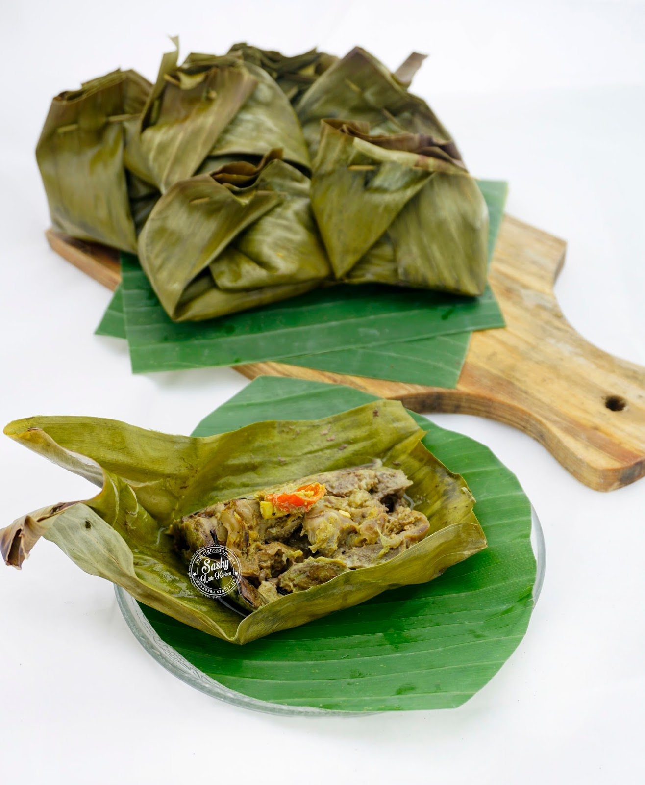 Tum Ati ( Botok Hati dan Rampela Ayam khas Bali) - Sashy