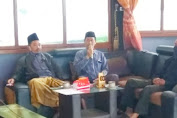Pulosari villagers want H Sutarno to appear in the village head election again