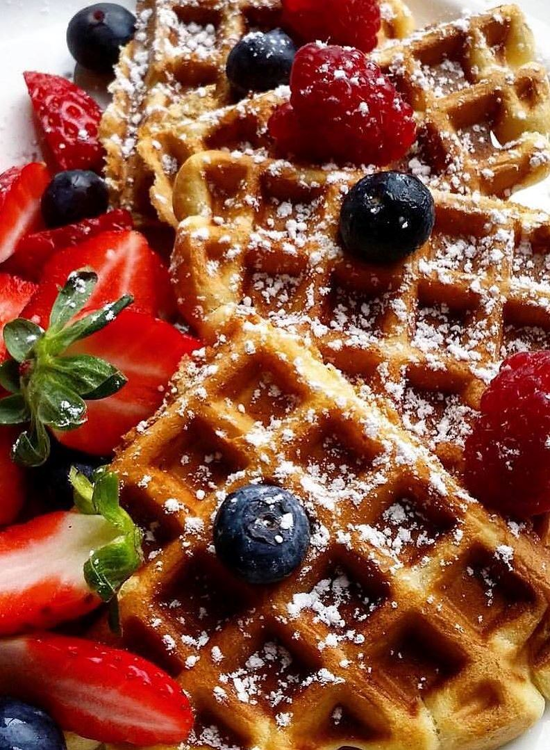Delicious waffle dessert with fruits