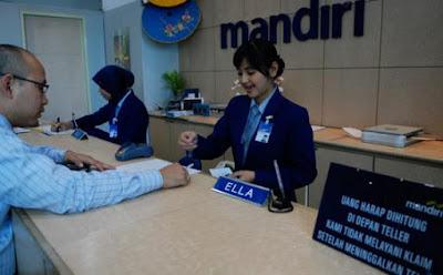 Mandiri_Bank_Teller