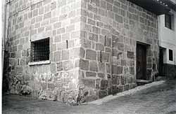 La presoneta, calle Villaclosa, la botera, lonja detrás derecha