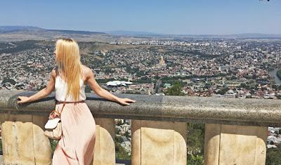 Как путешествовать по Грузии на автомобиле - Тбилиси глазами русских туристов!