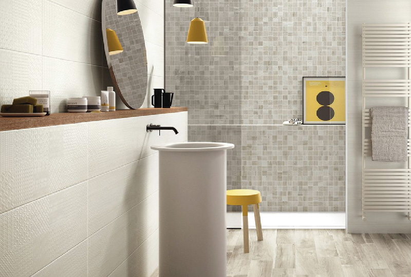Nuove piastrelle per cambiare look al bagno dettagli home decor