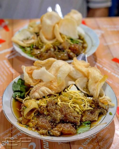 makanan enak di surabaya tahu campur