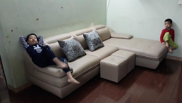 Hình ảnh bộ bàn ghế phòng khách nhỏ hiện đại Hà Nội đẹp tuyệt vời trong không gian phòng khách gia đình