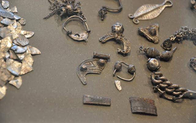 Skarb wczesnośredniowieczny znaleziony we wsi Lisówek