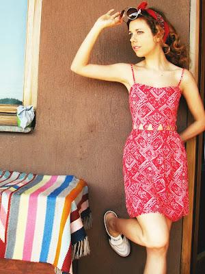 http://s-fashion-avenue.blogspot.it/2016/08/ootd-cut-out-dress-bandana-for-roadtrip.html