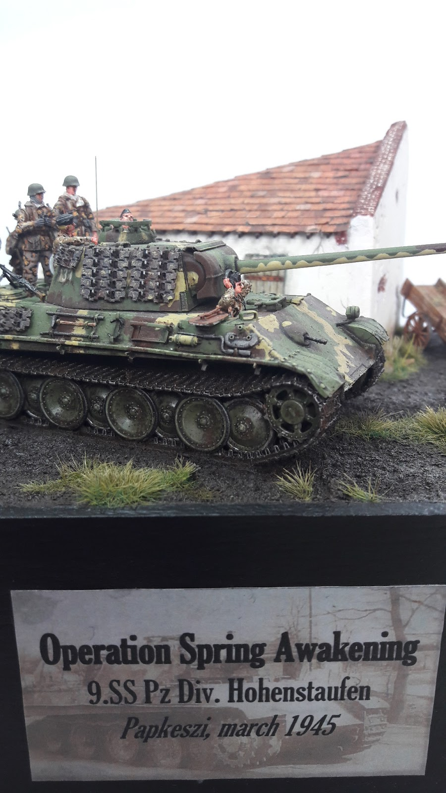 Hongrie 1945 diorama (Panther Ausf.G Late & Zundapp KS 750) - Page 7 1